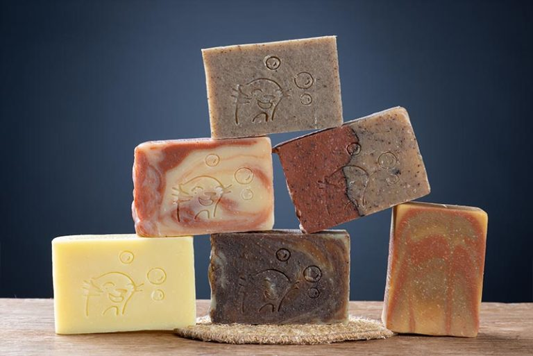 Pack grande loutre 6 savons + porte savon luffa